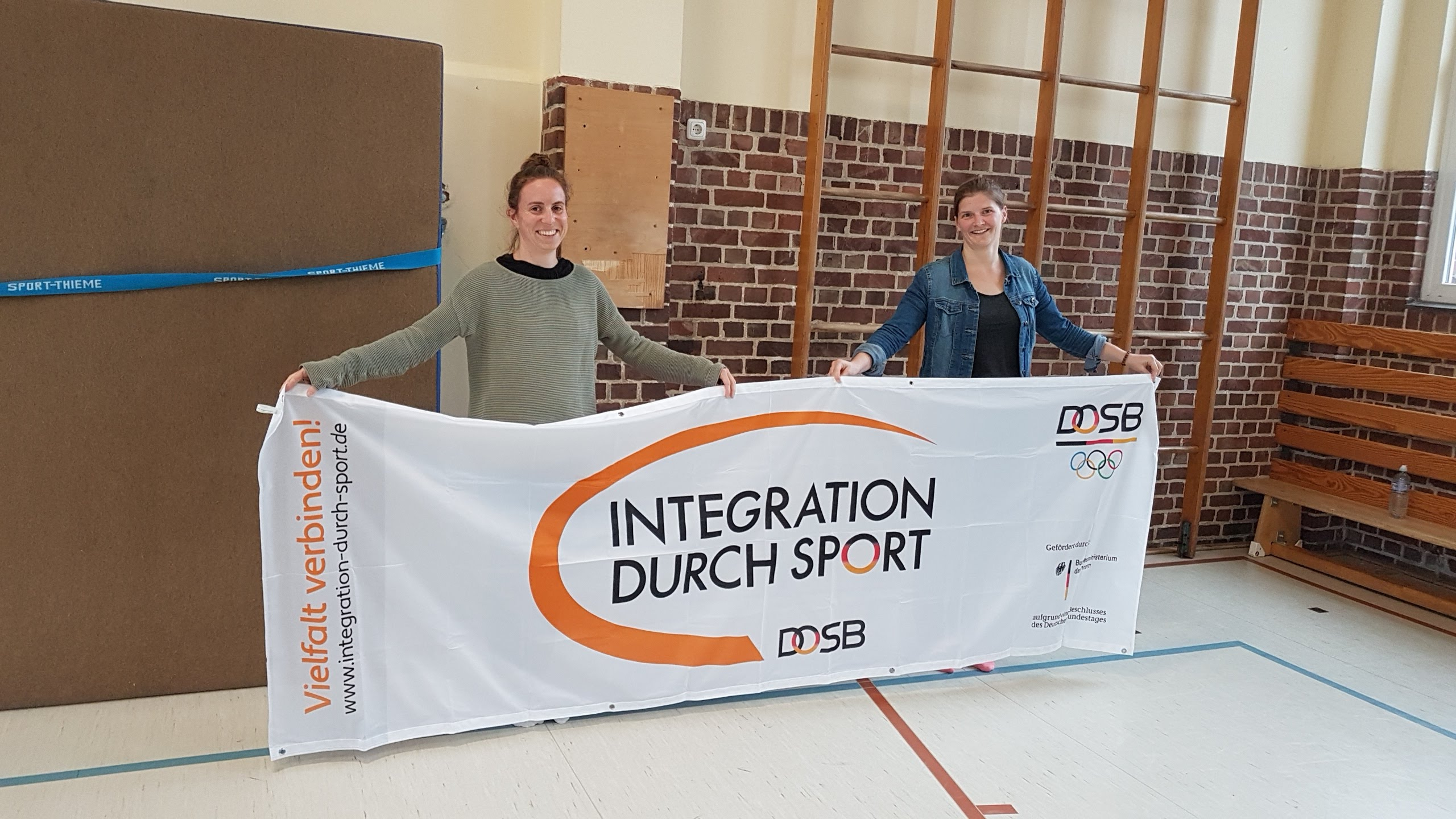 180425 LSB bergibt Integrationsbanner gedreht